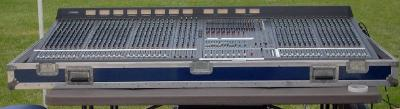 Main MIxer Yamaha M3000 48 channel.JPG
